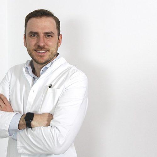 Dr Aichmair